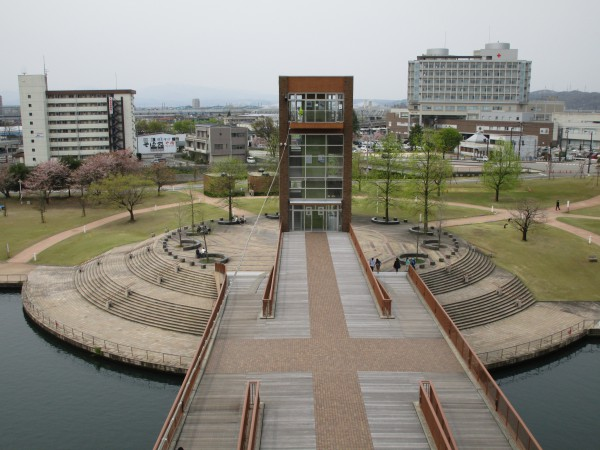 天門橋から見た環水公園の景色7