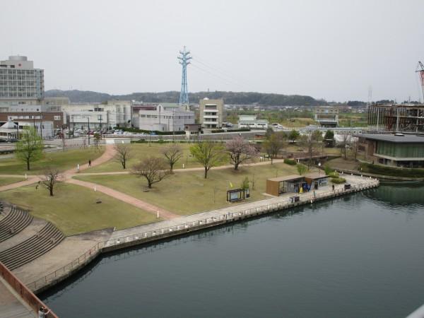 天門橋から見た環水公園の景色8