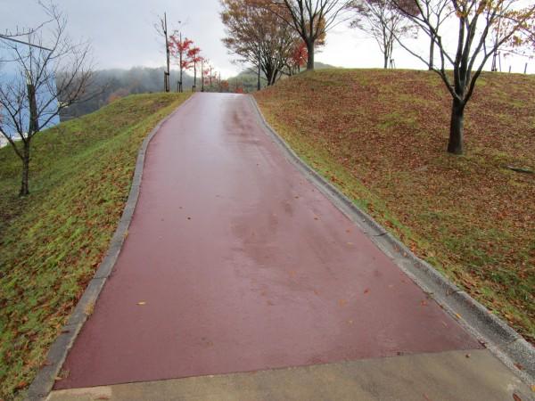 「新幹線の見える丘公園」