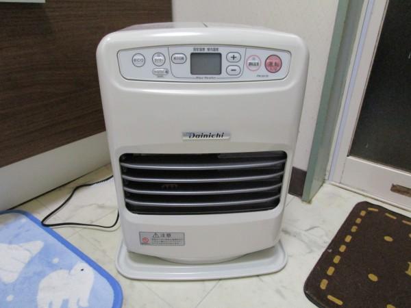 風呂の脱衣場専用に小型の石油ファンヒーターを買ってみた